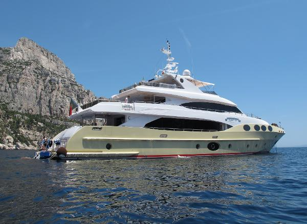 Majesty Yacht Majesty 125