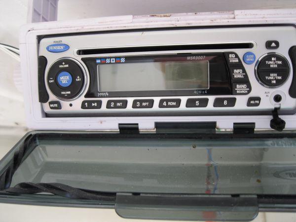 AM/FM/CD player w/ speakers