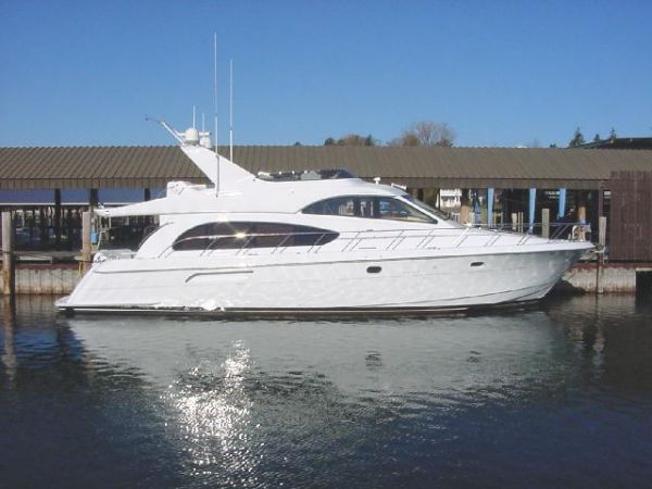 Hatteras 6300 Raised Pilothouse 63' 2002 Hatteras 63 RPH