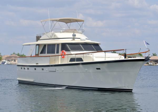 Hatteras 53 Classic Motor Yacht Exterior