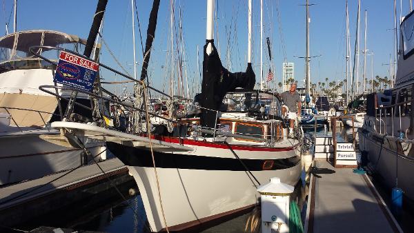 Islander Yachts Freeport Port Bow