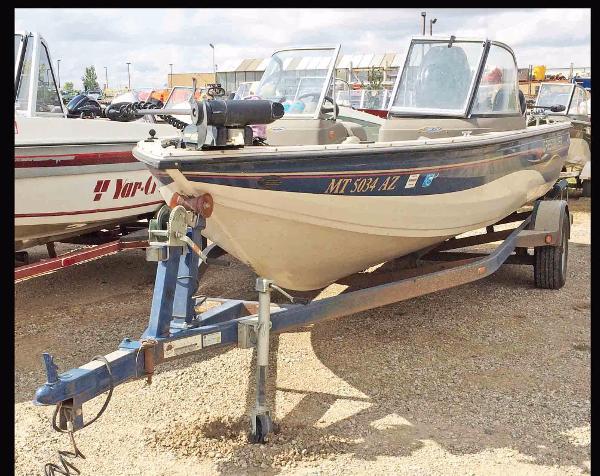 Used crestliner boats for sale 4 for Crestliner fish hawk