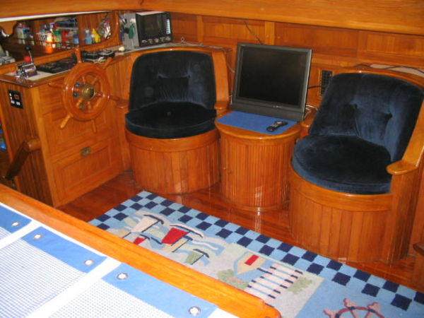 Barrel chairs starboard