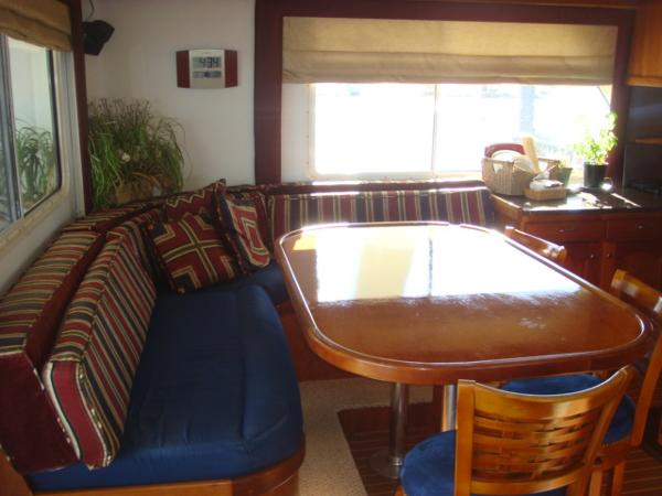 54' Crosswater dinette photo1