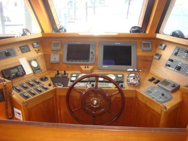 54' Crosswater flybridge helm