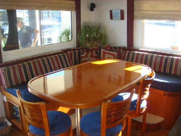 54' Crosswater dinette photo2