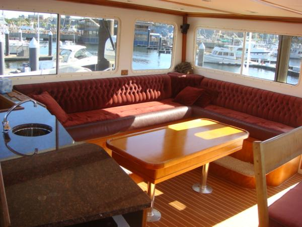 54' Crosswater flybridge seating photo2
