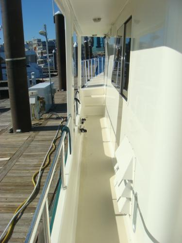 54' Crosswater port side deck photo2