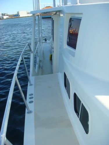54' Crosswater starboard side deck