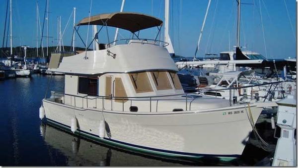 Mainship Trawler