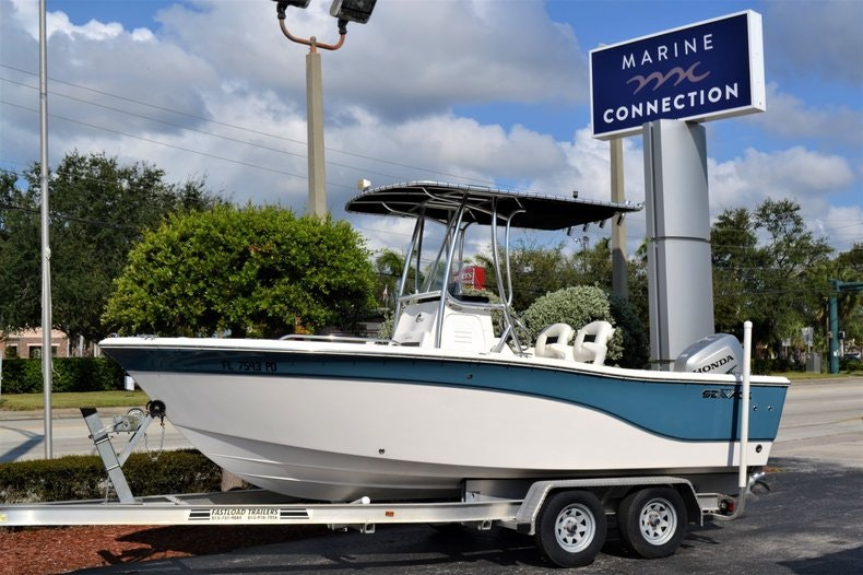 Sea Fox 206 Center Console
