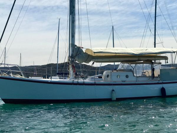 Custom 43' Cruising Yacht