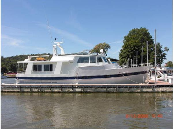 Pluckebaum Raised Pilothouse Profile
