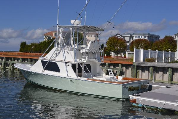 Blackfin 32 Flybridge Port side aft
