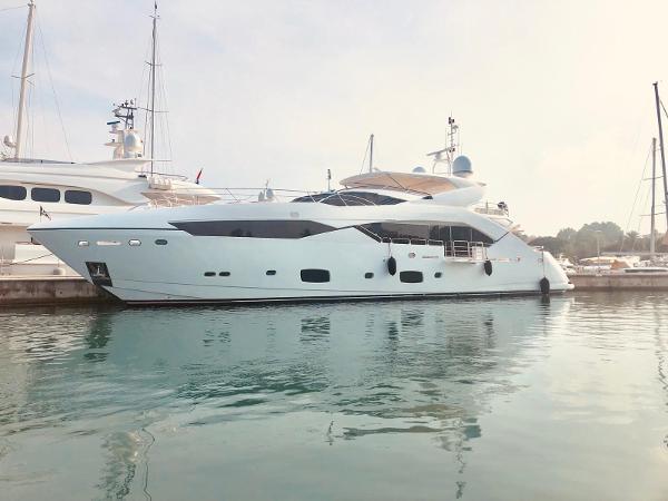 Sunseeker 115 Sport Yacht 4