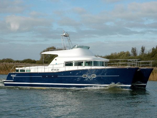 LAGOON POWER 43 Catamaran