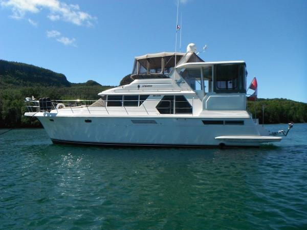 Carver 445 Aft Cabin Motor Yacht