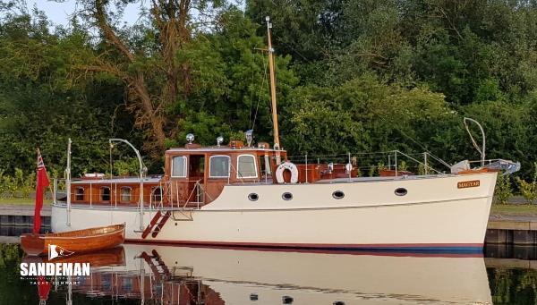 Custom Saunders Roe Medina Class TS Motor Yacht