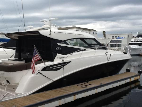 Sea Ray 470 Sundancer 2015 470 sundancer Black hullside