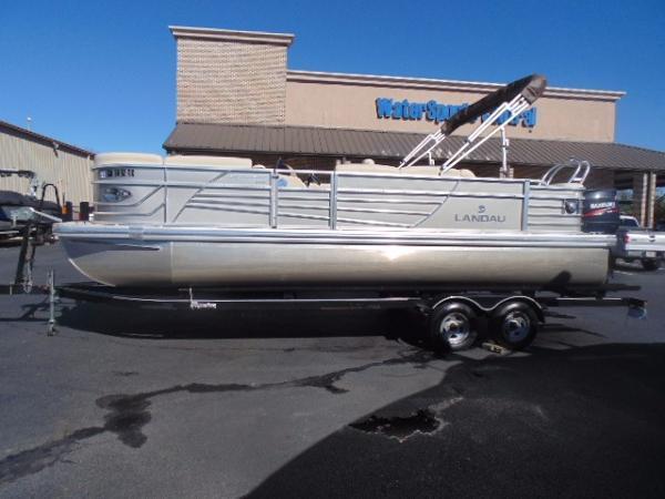 Landau Boat Co Signature 2300 Cruise