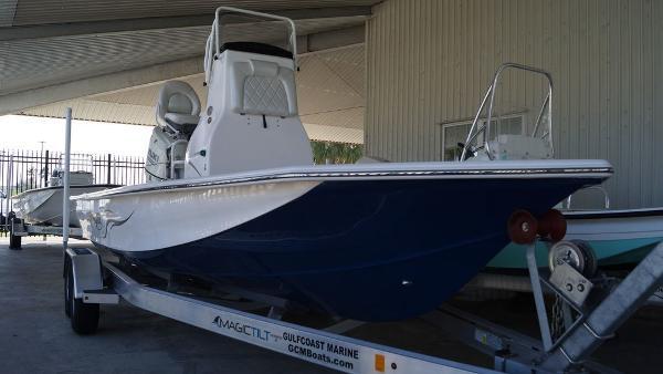 Blue Wave Boats 2200 STL