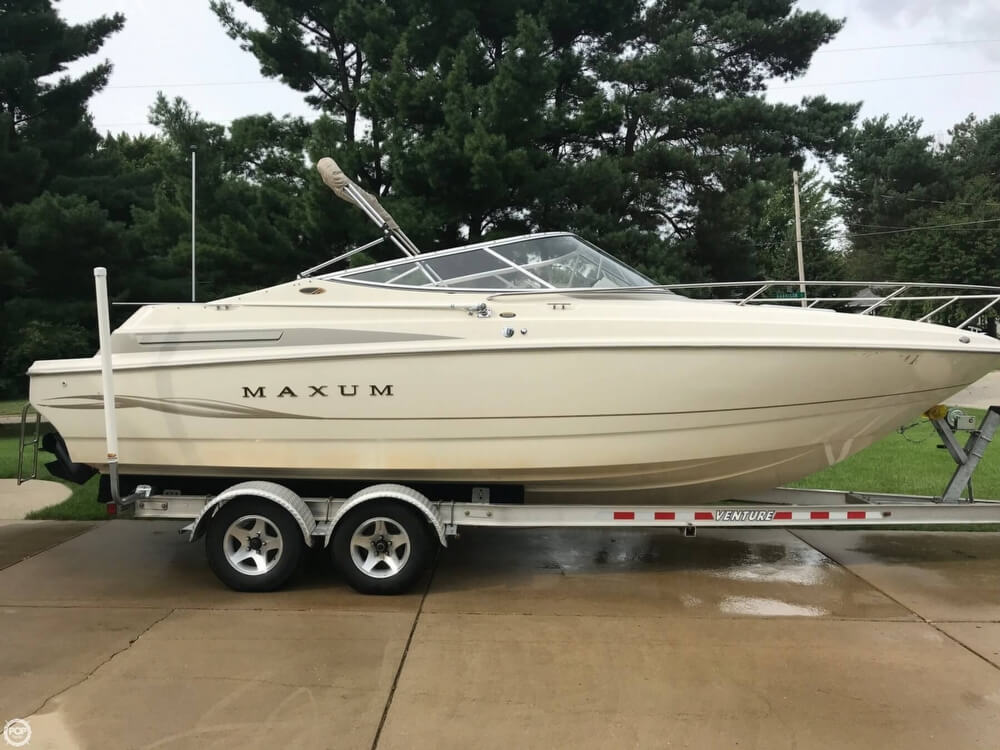 Maxum 2300 SC 1999 Maxum 23 for sale in Hudsonville, MI