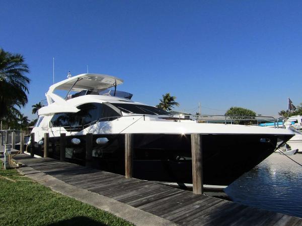 Sunseeker Yacht 76
