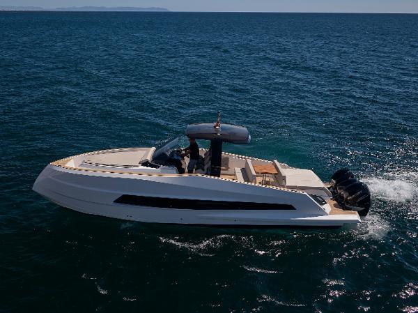 Astondoa 377 Coupe Outboard