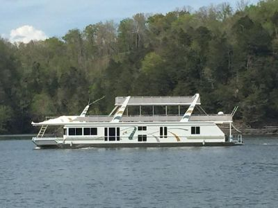 Fantasy Houseboat 19 X 90