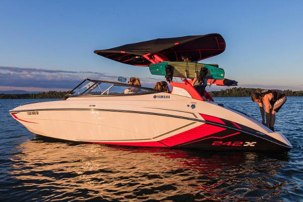 Yamaha Boats 242X E-Series Manufacturer Provided Image