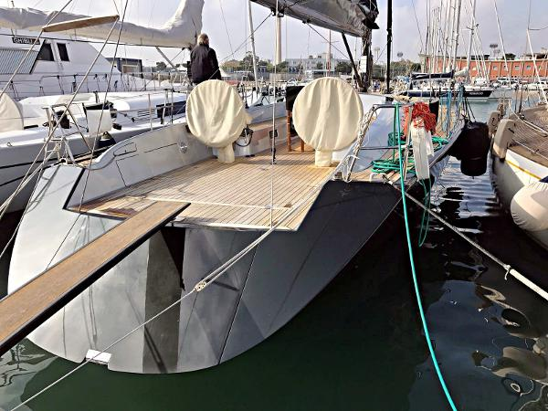 Maxi Dolphin 65' Image 1