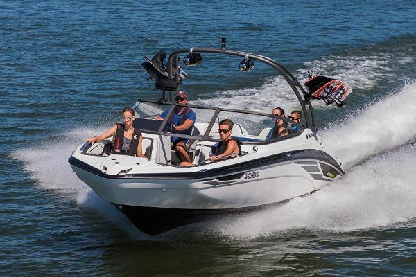 Yamaha Boats AR210 Manufacturer Provided Image