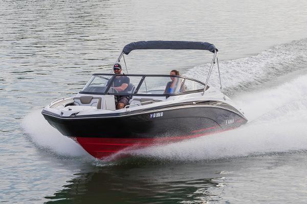 Yamaha Boats 212 Limited Manufacturer Provided Image