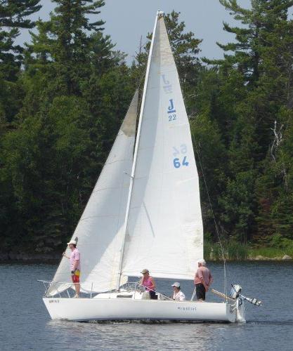 J Boats J/22 Port tack