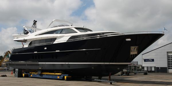 Van der Valk Custom Rised Pilothouse 26M