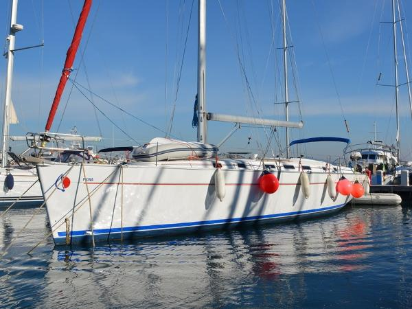 Beneteau cyclades 50.4 Fiona at dock