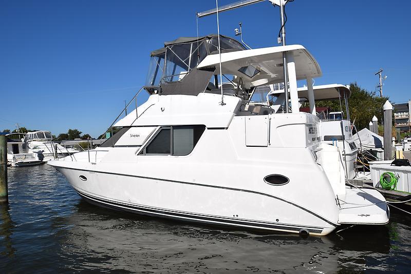 Silverton 352 Motor Yacht DSC_0001.JPG