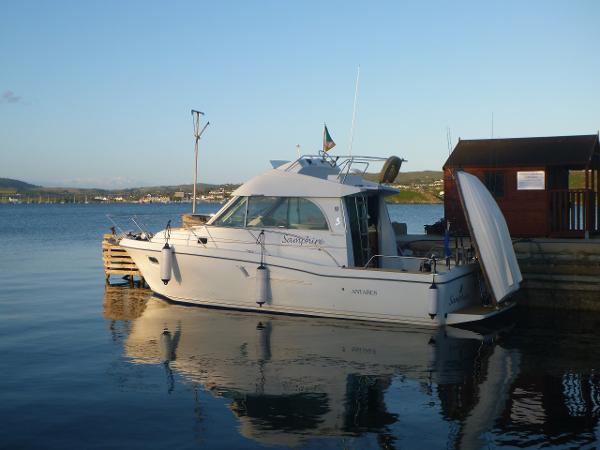 Beneteau Antares Series 9 Flybridge
