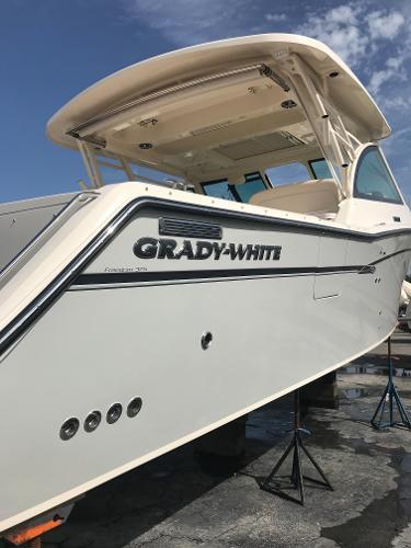 Grady-White Freedom 375