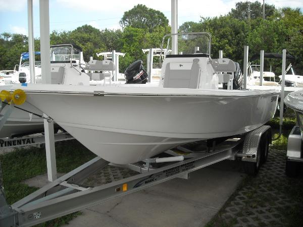 Sea Pro 208 Bay