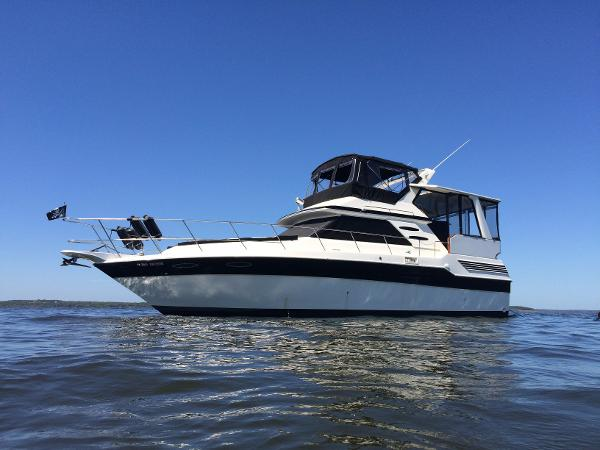 Sea Ray 415 Aft Cabin