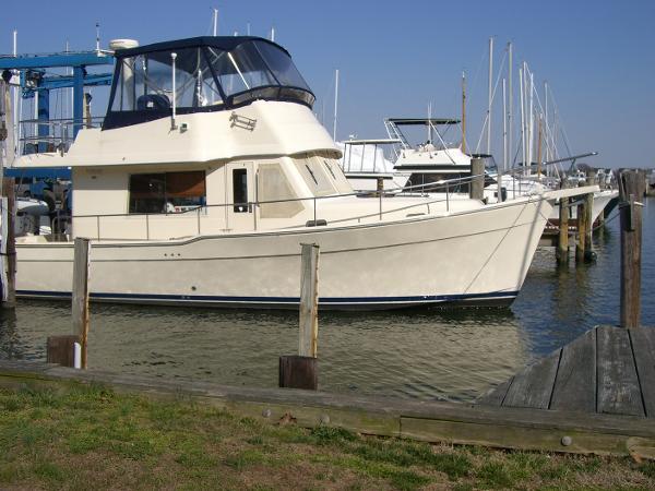 Mainship 34 Trawler