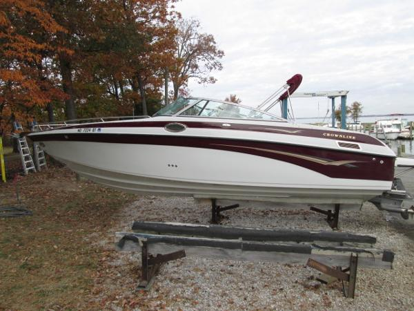 Crownline 288 BR Port View
