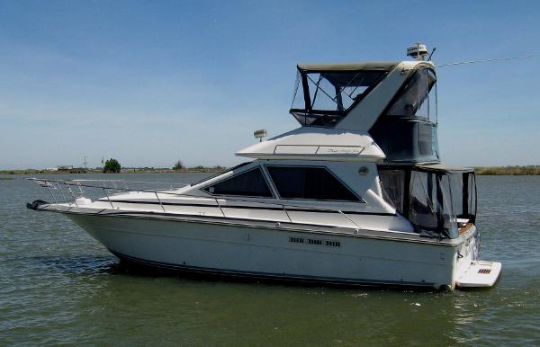 Sea Ray 340 Sedan Bridge Main