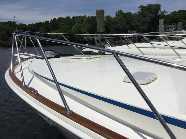 Egg Harbor 37 Convertible Fore Deck