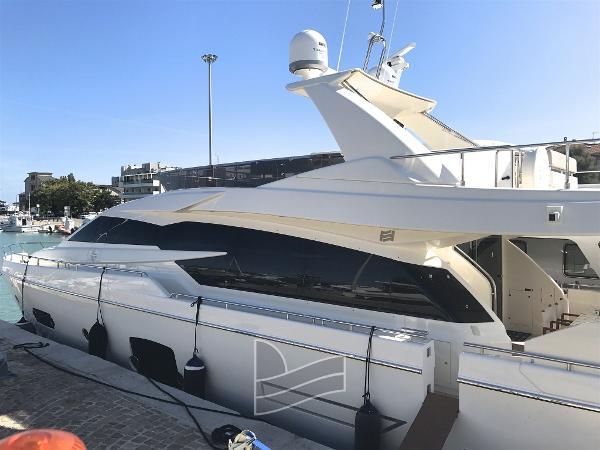 Ferretti Yachts 750 IMG_0956