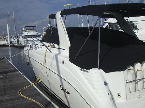 Rinker 342 Express Cruiser