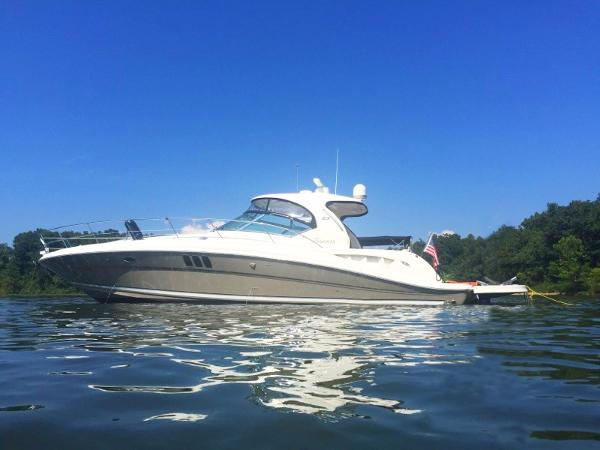 Sea Ray 44 Sundancer Port profile