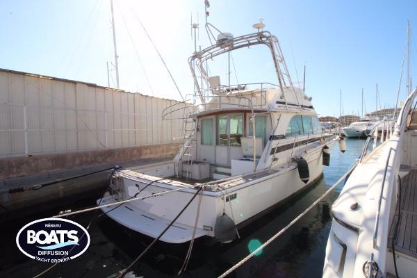 Bertram 46 Flybridge Motor Yacht