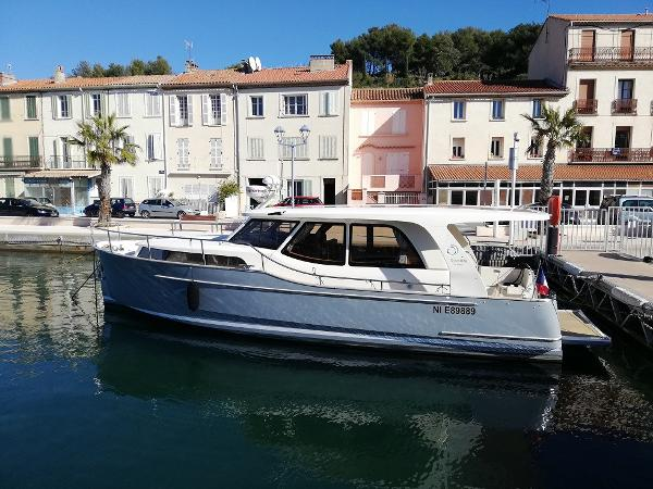 Greenline 33 second hand boat greenline 33 hybrid year 2013 with 2 cabins